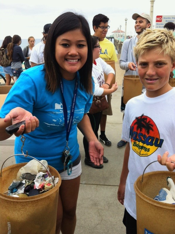 Manhattan Beach cleanup volunteers with their haul!